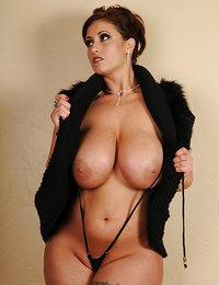 hot babes nude selfies
