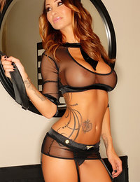 hot young babes pics